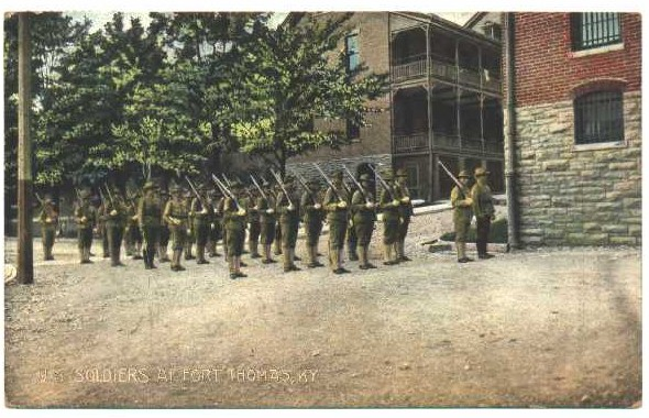 Soldiers stationed at Fort Thomas in 1909.