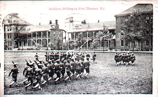 Soldiers at Fort Thomas in 1918.