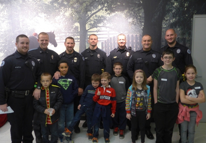 2015 Cops and kids photo
